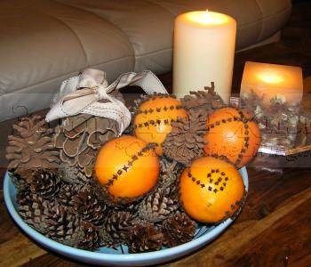 Душистое новогоднее попурри из апельсинов, корицы, гвоздики и шишек