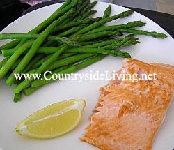Салат в креманках рецепты с ветчиной и сыром