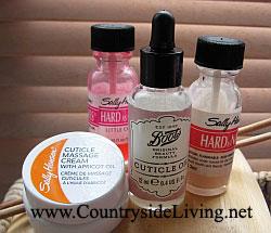 Уход за руками. Крем и масло для кутикулы и защитные укрепляющие лаки Салли Хансен 'Hard as Nail'